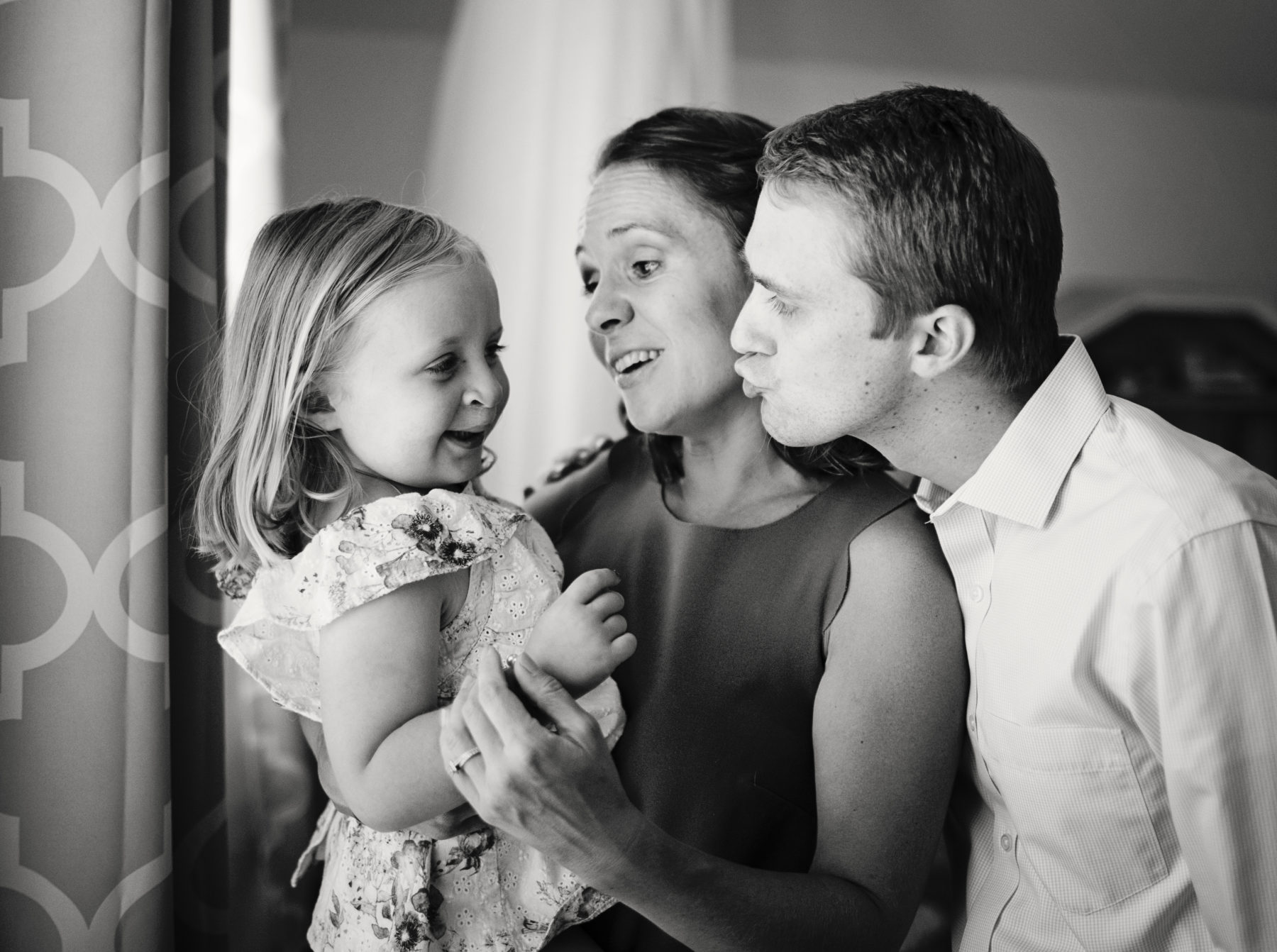 In-home family session by Elle Jackson Photography