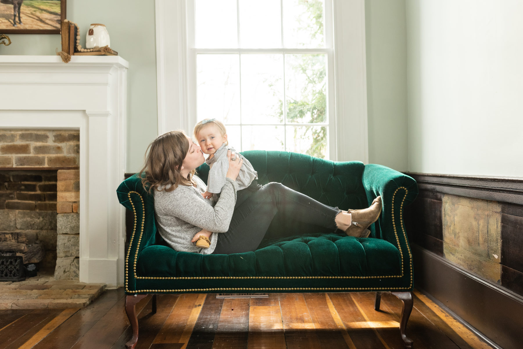 Dolly Delong Family Photo Inspiration featured on Nashville Baby Guide