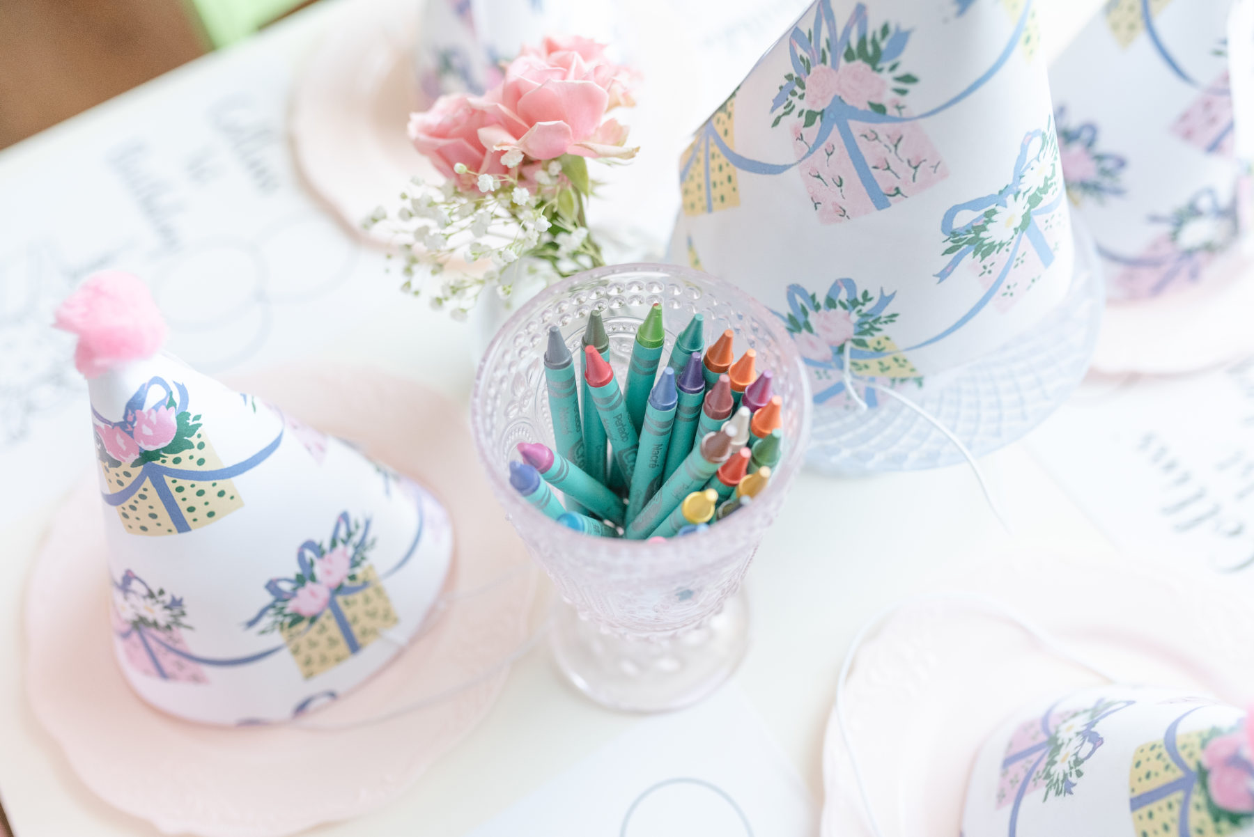 Kids Table Decor: Dolly Delong Photography featured on Nashville Bride Guide