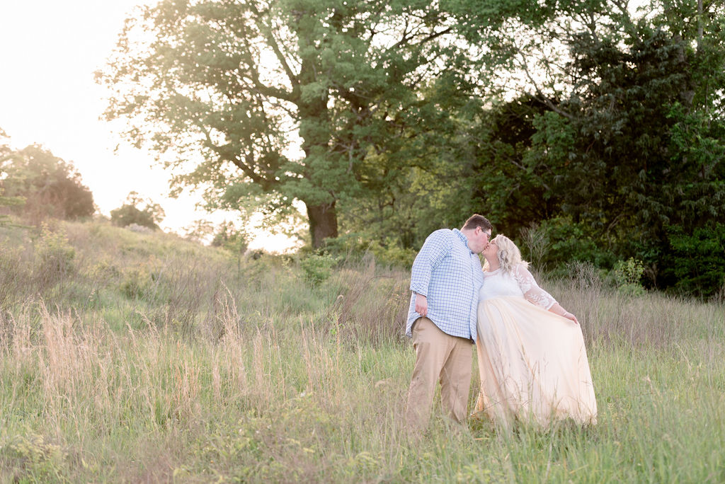 Spring Smith Park Maternity Session by Rebecca Denton Photography featured on Nashville Baby Guide
