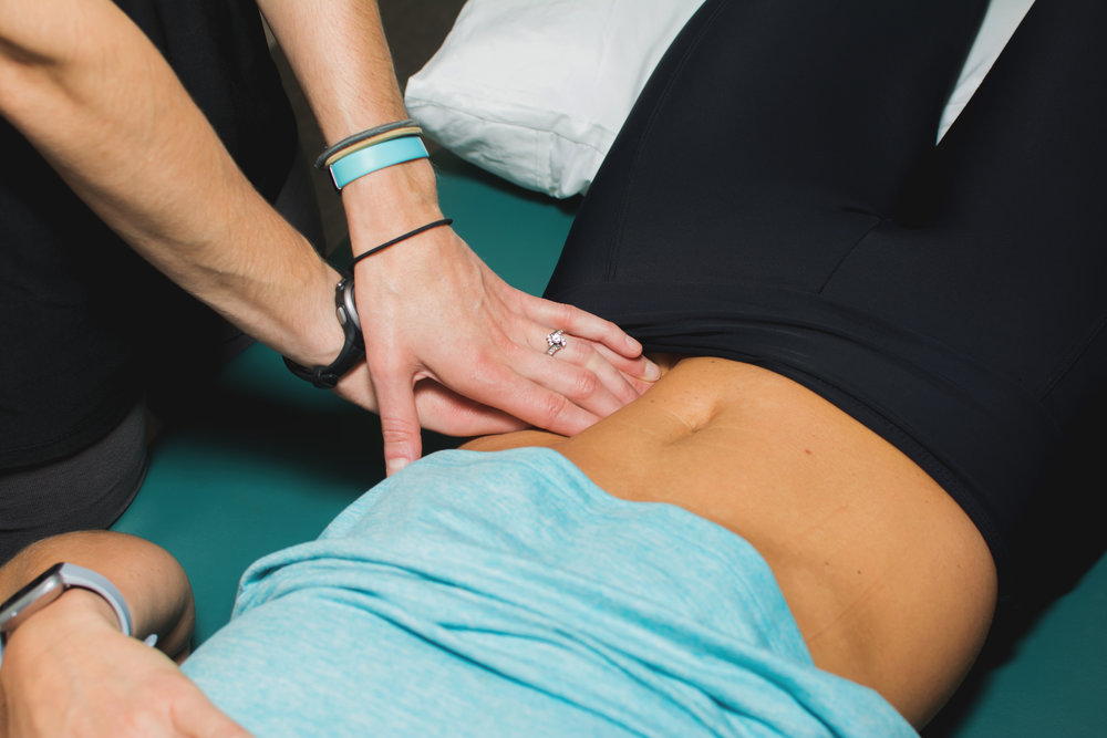 How to Tell if You Have Abdominal Separation or Diastasis Recti from Priority PT featured on Nashville Baby Guide