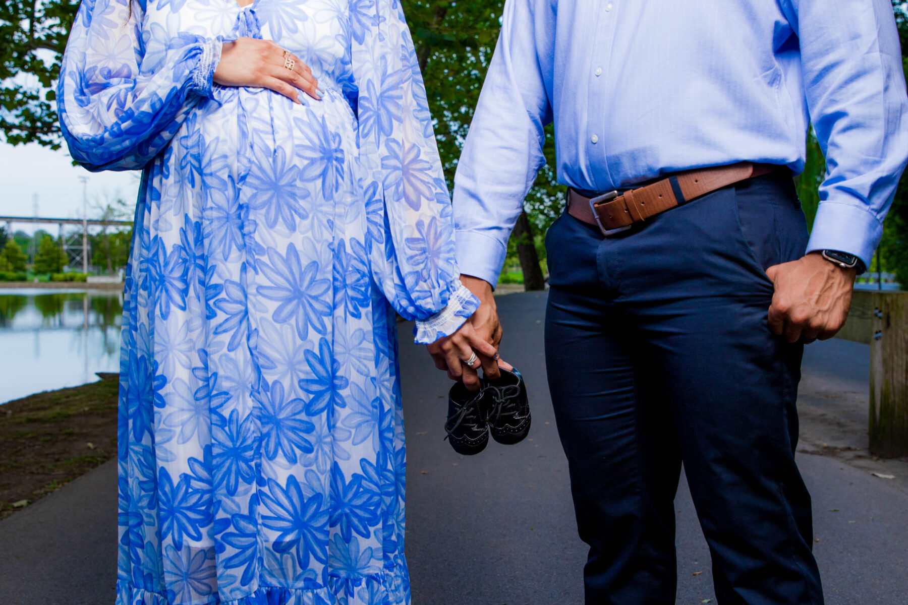 Shelby Park Maternity Shoot by Jonathan's Photography featured on Nashville Bride Guide