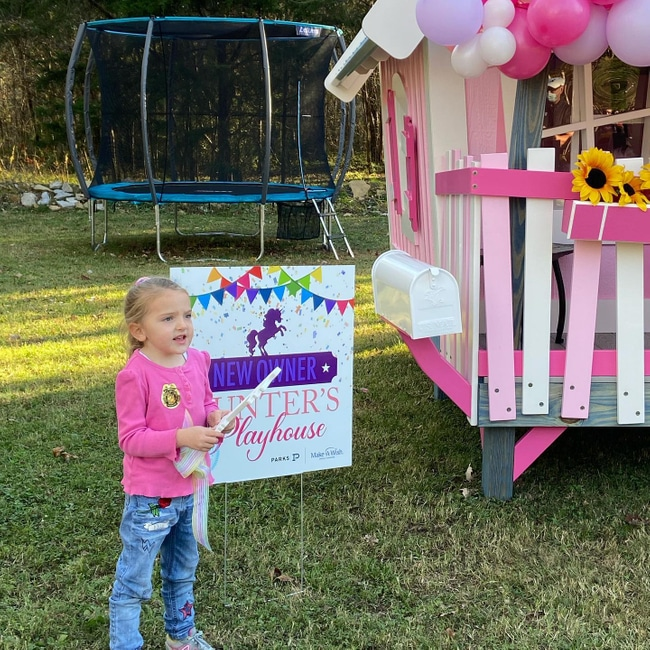 Hunter's Pink Playhouse Make a Wish Event from Balloon Babe featured on Nashville Baby Guide