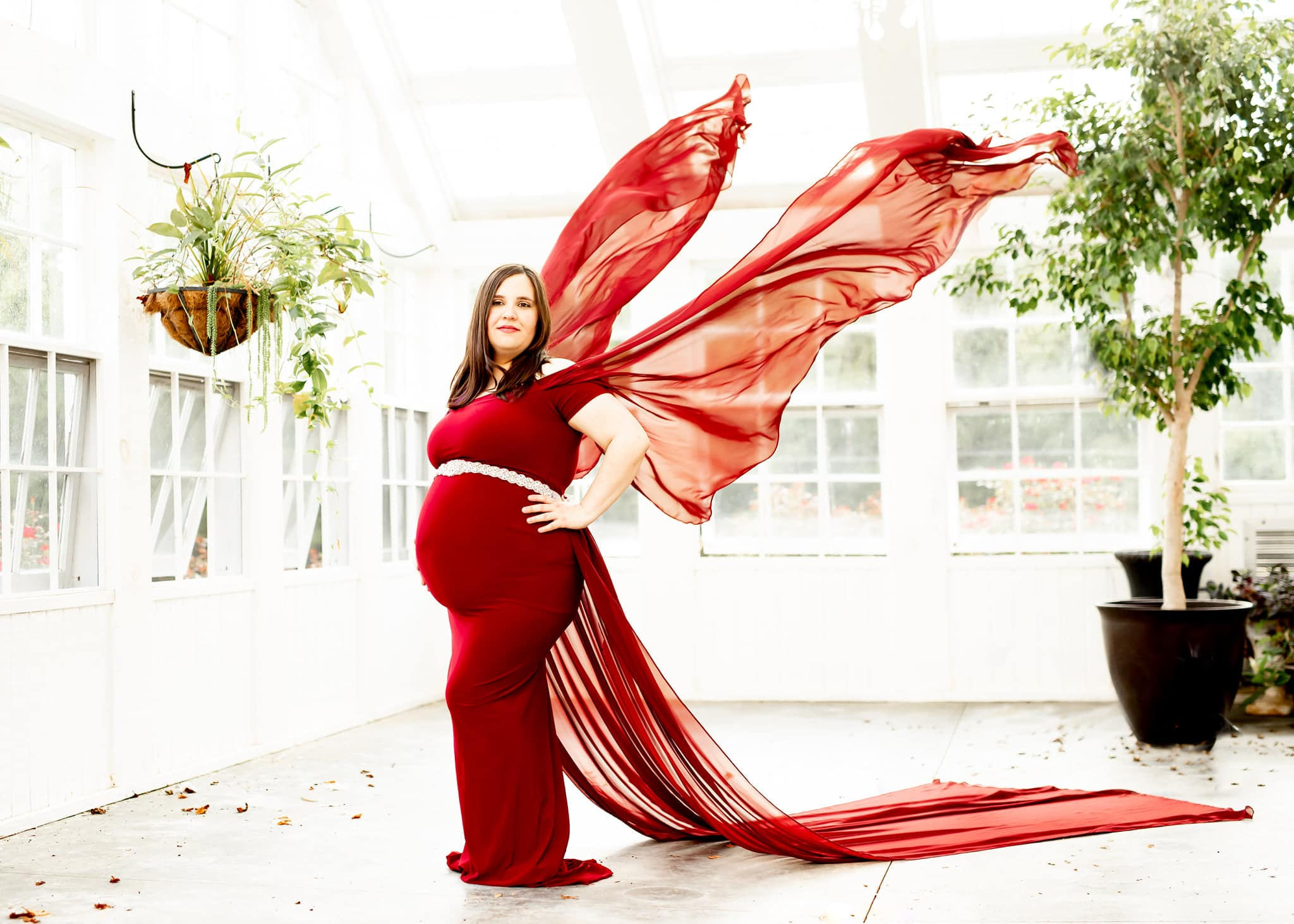 Creative maternity photo session by Art Inspired Images