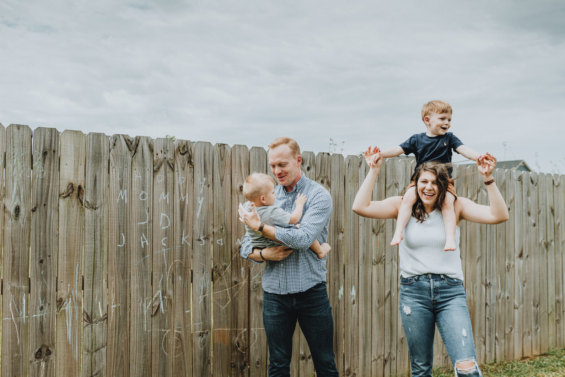 Outdoor family photography | Nashville Baby Guide